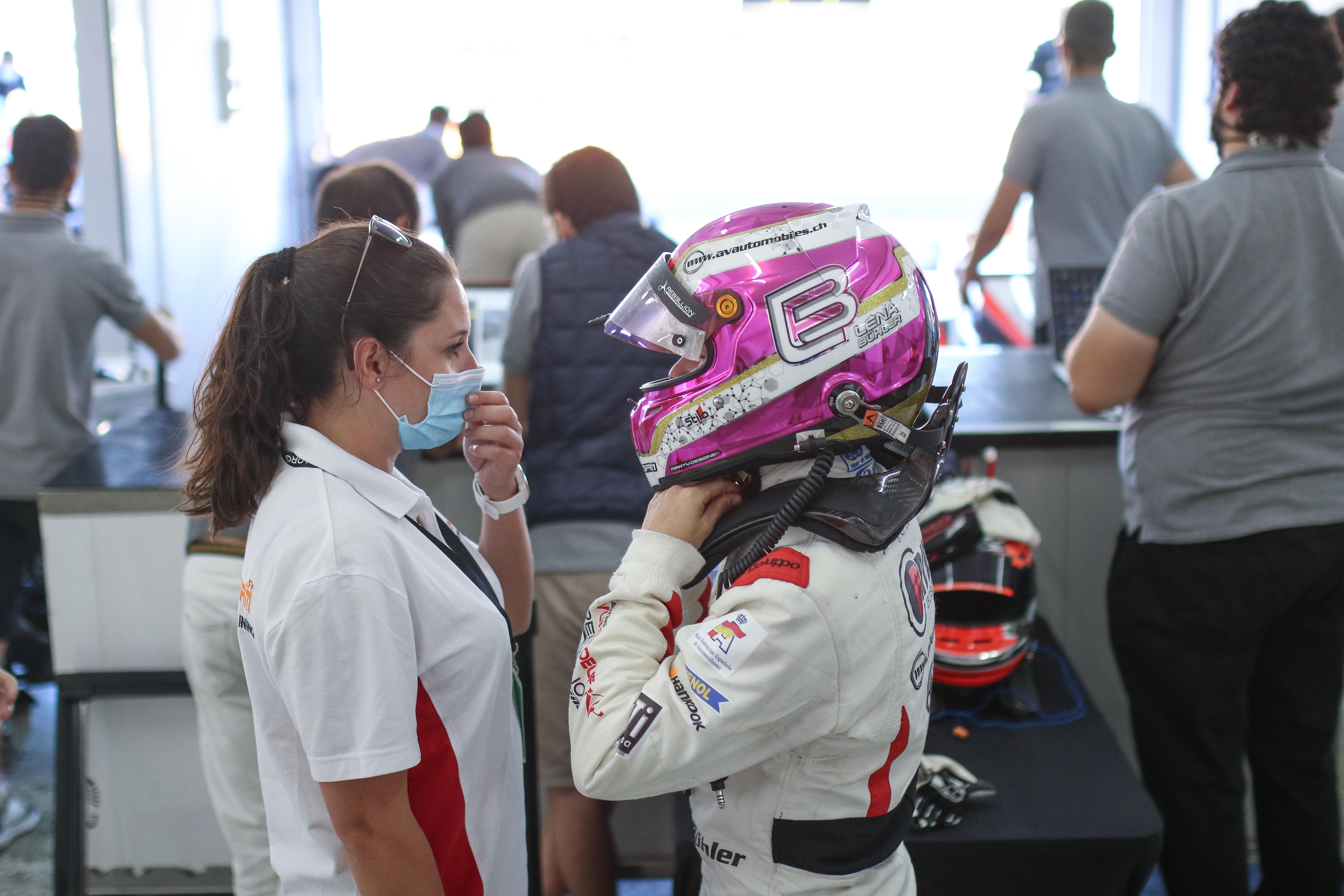 Léna Bühler on track in Aragón for the Spanish F4 Championship