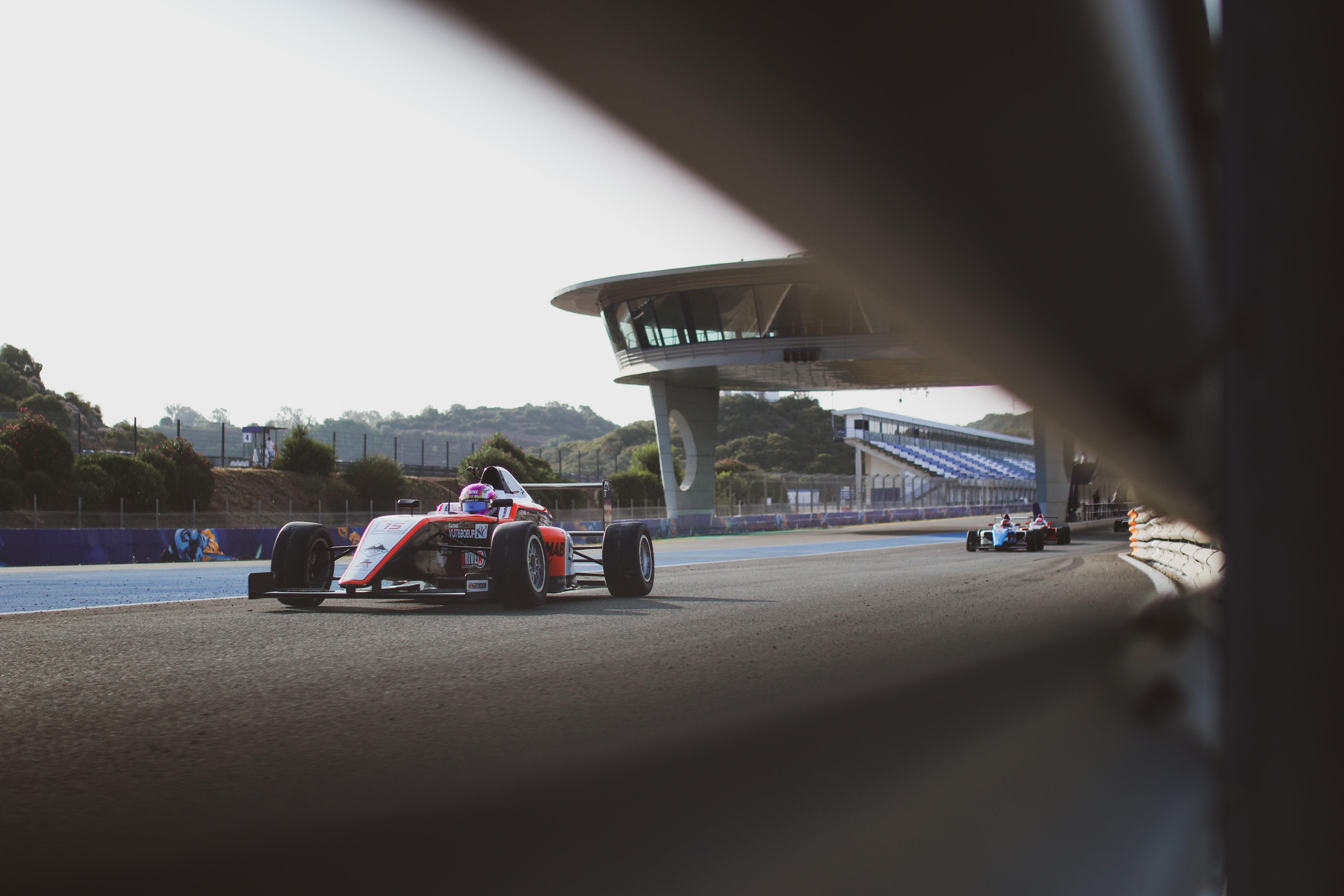 Léna Bühler faces a difficult weekend in Jerez